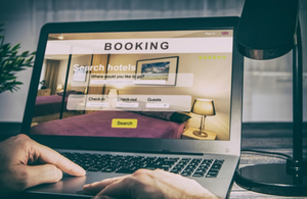 Hotel booking websites: UK CMA investigates into misleading practices against consumers